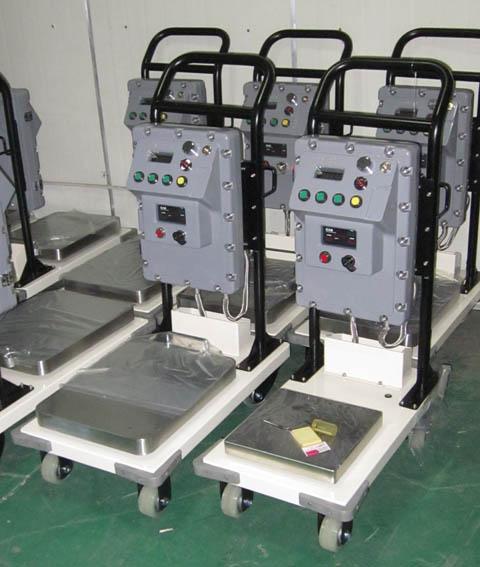上海常衡移动式防爆电子秤(30-300公斤)带移动小车 可推走的秤